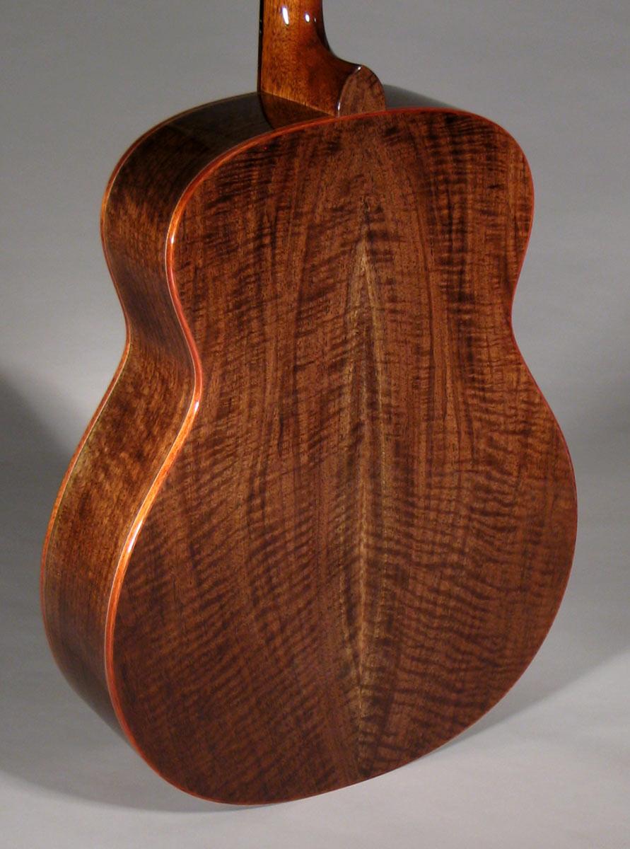 Claro Walnut Tenor Guitar